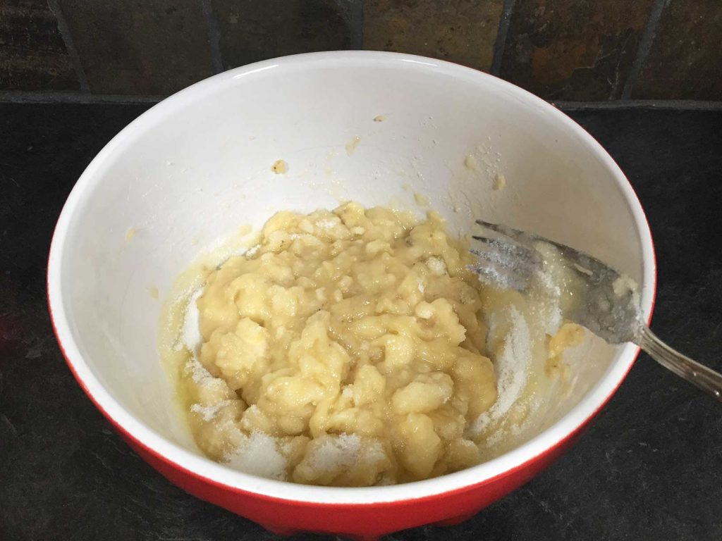 Bananas mashed and mixed with sugar