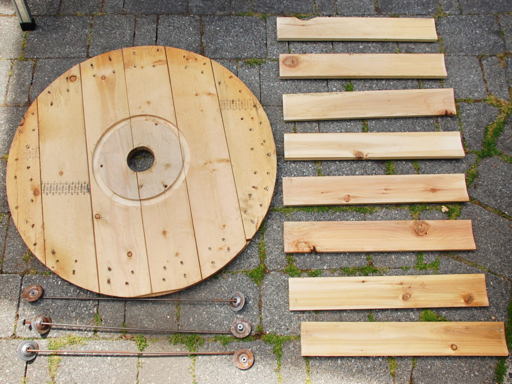 pieces of the cable spool