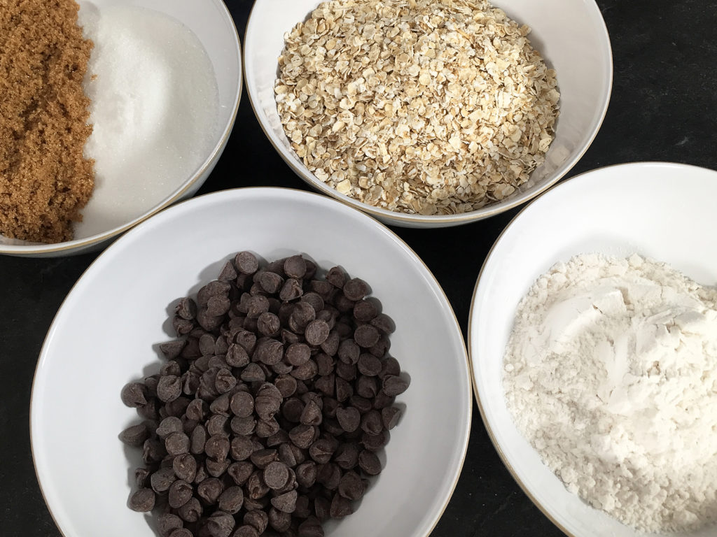 chocolate chip oatmeal cookie ingredients