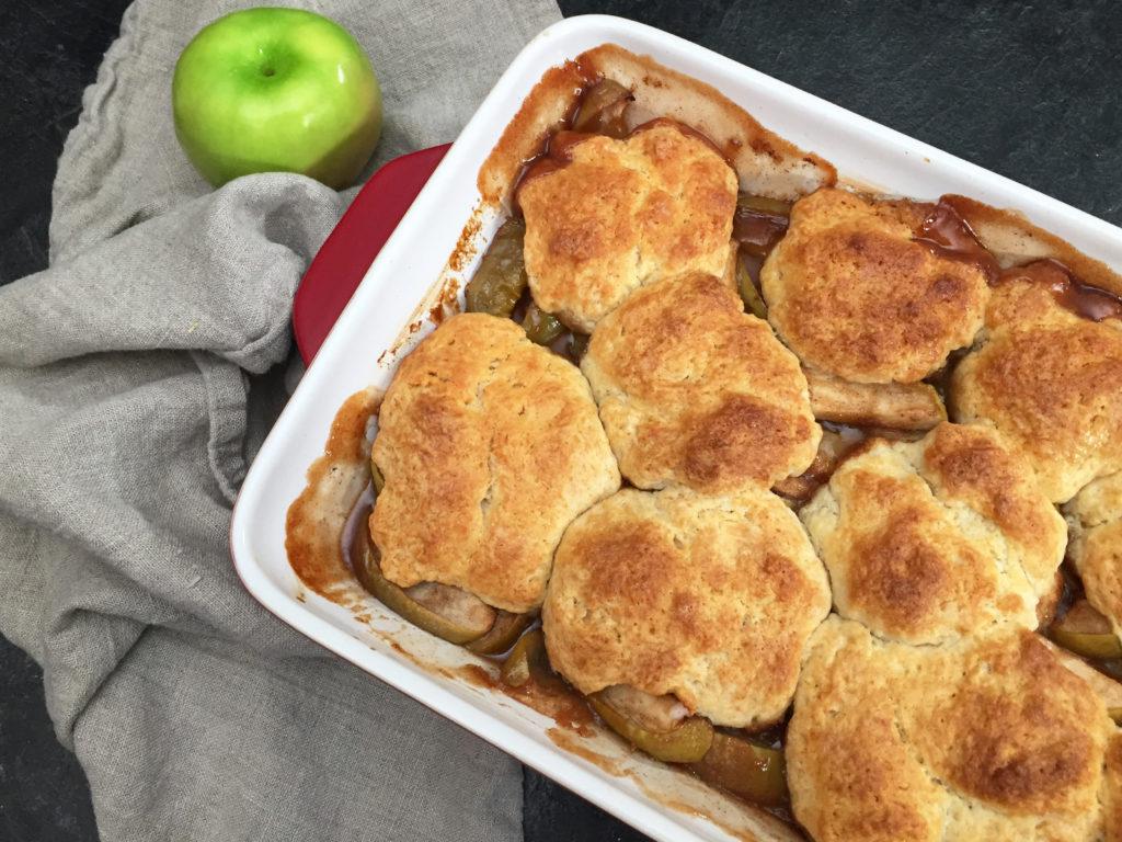 fresh baked apple cobbler