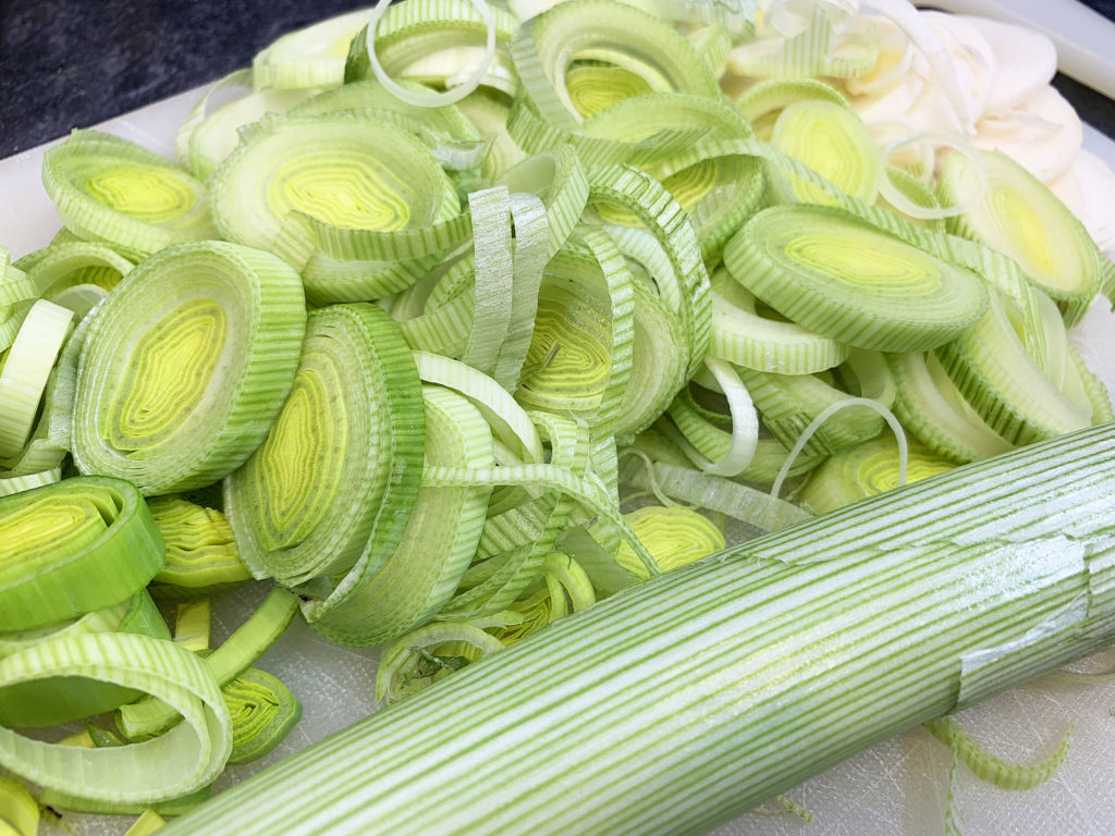 thinly sliced leeks