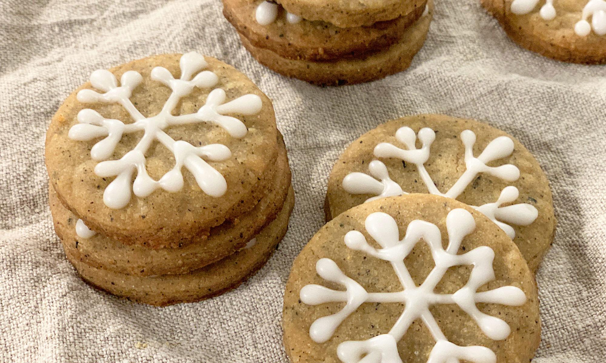 pile of iced chai snowflake cookies