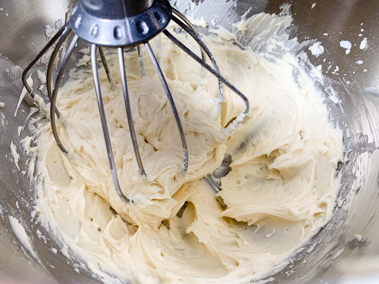 Mascarpone cheese after adding the vanilla and almond